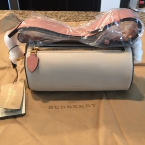 NWT Burberry Cylinder Bag Limestone / Dusty Rose